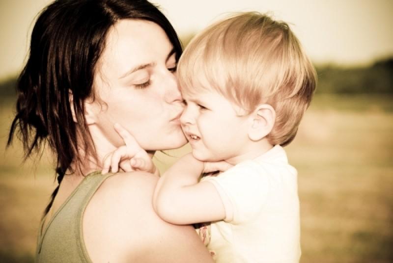 femeile-ar-trebui-sa-nasca-copii-pa-2408113647
