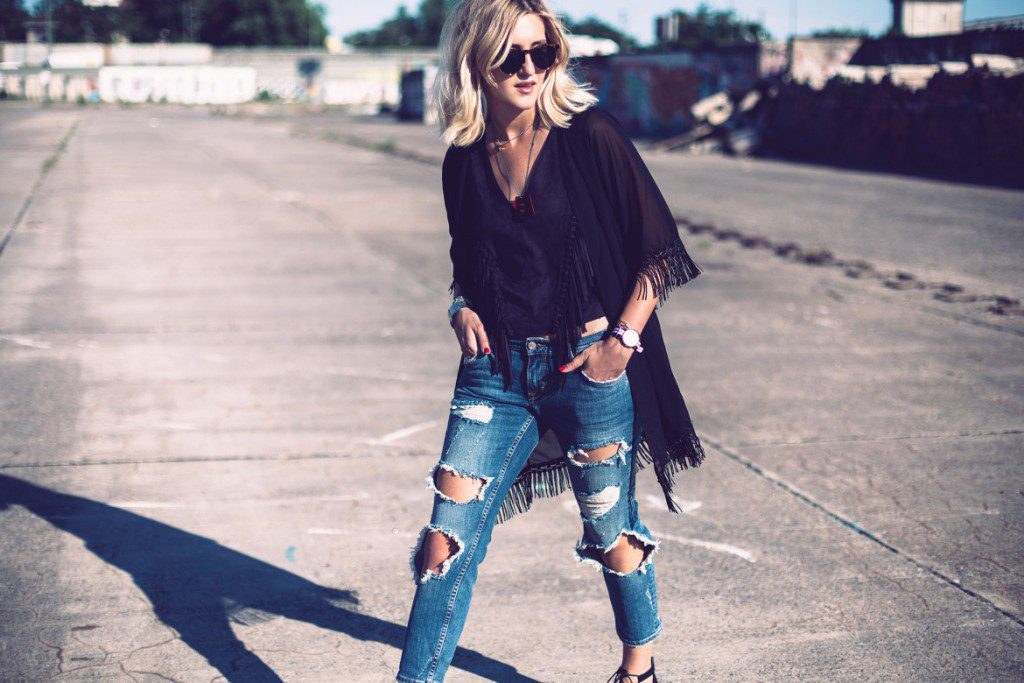 ripped-jeans-plus-kimono-1-e1448918530288